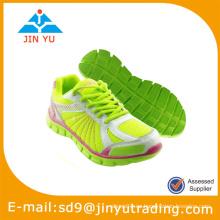 Nuevos zapatos del deporte de la marca de fábrica de la llegada
