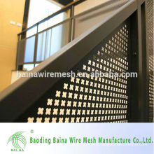 Perforated stainless steel expanded metal mesh