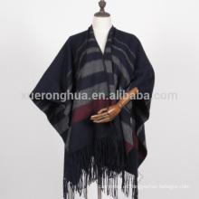 Abrigo del cabo de las mujeres de alta calidad 100% de lana