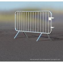 Barreras de control de multitudes / Barrera policial / Barricadas de acero