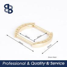 Bague rectangulaire avec logo personnalisé