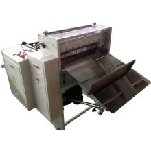 Rouleau de papier imprimé à la découpeuse de feuille