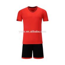 L'approvisionnement d'OEM nouvelle conception maillot de football vente chaude enfants uniforme scolaire