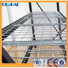Estante industrial mediano con panel de malla de alambre / estante negro con recubrimiento de polvo y 4 estantes