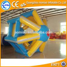 Produto de esportes aquáticos roda de água inflável, rolo inflável da água