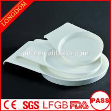 2015 новый дизайн высокого качества белый фарфор круглый глубокий пластины с рукой