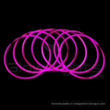 collier bâton de lumière lueur rose