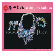 Shangdian Beaded Crystal Hand Crafted Fashion Accessories Collection For Spring Summer