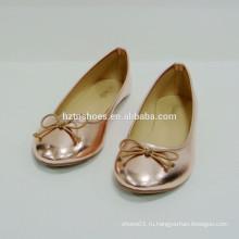 Простые качественные женские туфли с плоскими туфлями с бантом