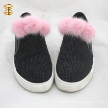 La última moda de pieles Pom Pom Accessary Venta al por mayor para el bolso de sombrero de zapatos Decoración para el hogar