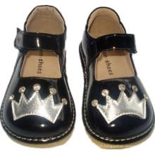 Chaussures de pierres noires et pierres précieuses