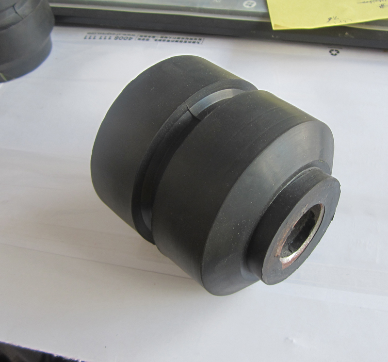 Automobile Rubber Shock Absorption Bushing 2