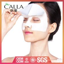 Gesichtsbehandlung Ton Maske