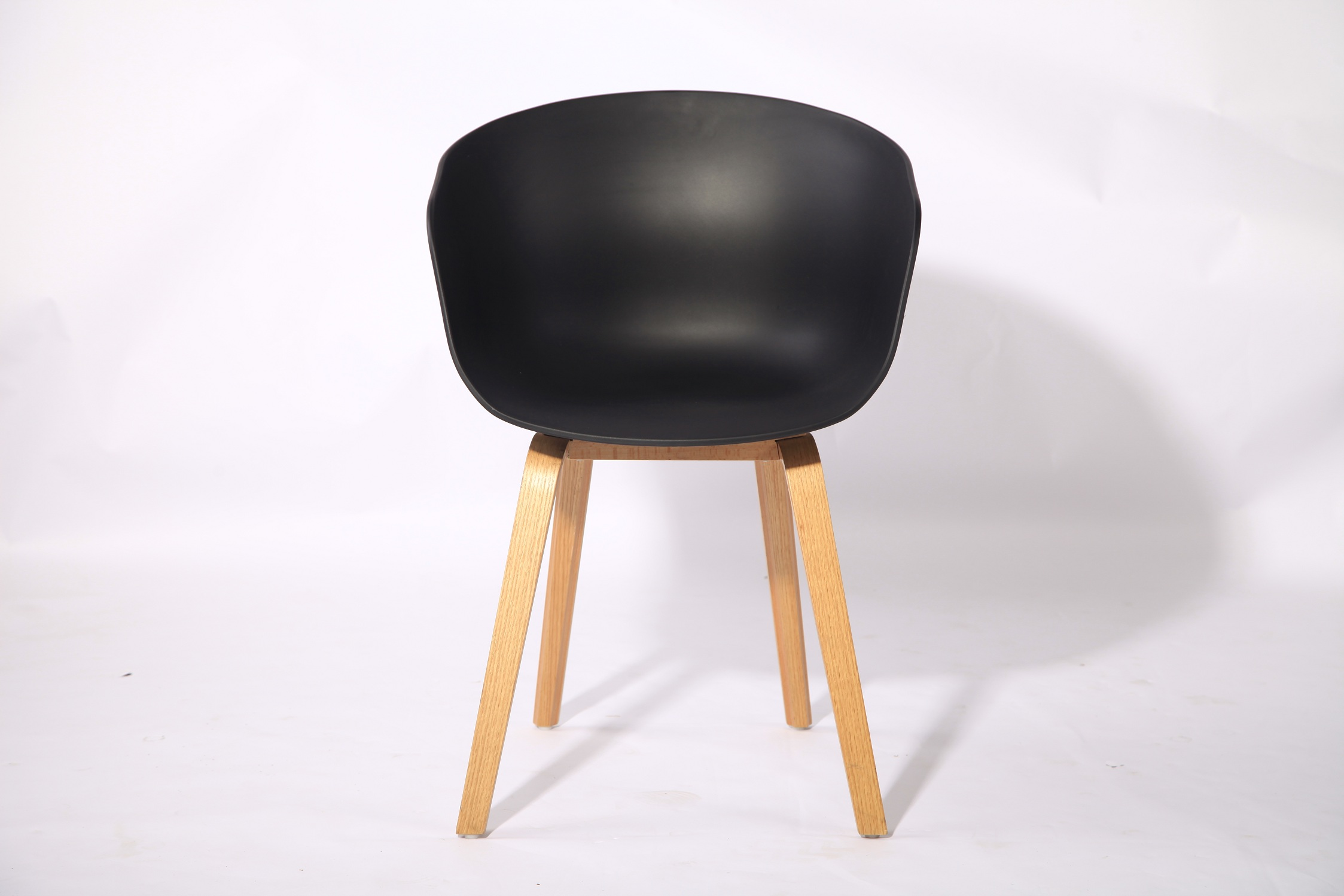 Modern wooden leg dining chair