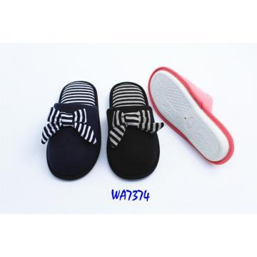 Women's Fashion Stripes Winter Binding Indoor Slippers