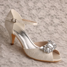 Mary Jane Lace dan Crystal Wedding Shoe Ivory Lace