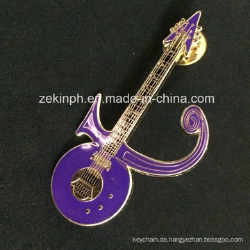 Neueste Design Customized Guitar Shaped Metall Abzeichen