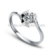 Кольцо с бриллиантовым серебром 925 белого золота