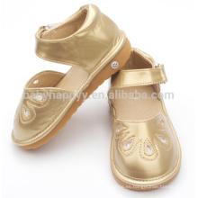 Zapatos chillones de los niños zapatos de bebé baratos de la PU zapatos ligeros de oro