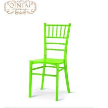 Muestra libre del precio de fábrica plástico que apila la silla del banquete de boda de Tiffany