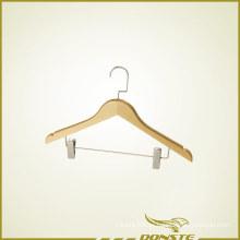 Percha de ropa de madera con prensa de pantalones
