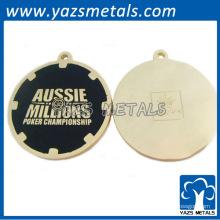 Círculo personalizado llaveros con esmalte negro finshed y chapado de oro