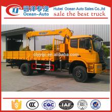 Grúa del carro de Dongfeng 4x4 con la grúa de XCMG 5ton para la venta