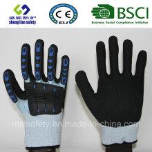 Schnittschutzhandschuhe mit Sandnitrilbeschichtung