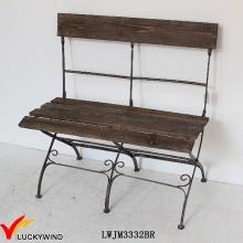 Cadeira de madeira dobrável antiga do metal do vintage Brown