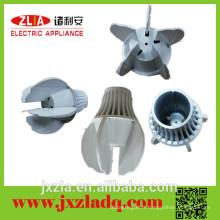 Radiateur en aluminium extrudé de haute précision, radiateur LED avec design spécial