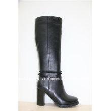 Dernières chaussures en cuir à talons hauts à la mode