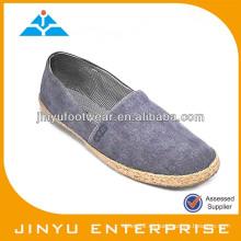 El zapato de lona barato del hombre al por mayor