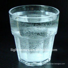 Agiter le verre / le gobelet