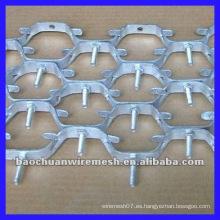 Malla del grueso 5 * 5cm del grueso de 2m m alta temperatura-resiste el metal hexagonal del acero de la cola en almacén