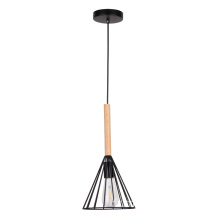 Lustre moderne en fer de conception simple