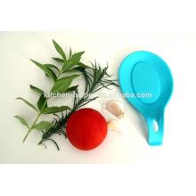 Soporte de utensilios de cocina para microondas