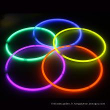 Bâton de lumière lueur colorée avec collier de corde