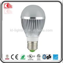 El alto lumen SMB LED enciende el bulbo E27 LED