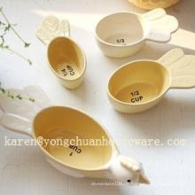 Keramik handbemaltes Set von 4 Messbechern - Vögel Form