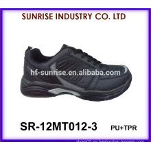 Los zapatos negros del deporte de los hombres calzan los zapatos 2015 de los deportes de China
