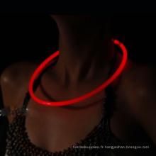 collier lueur dans l'obscurité