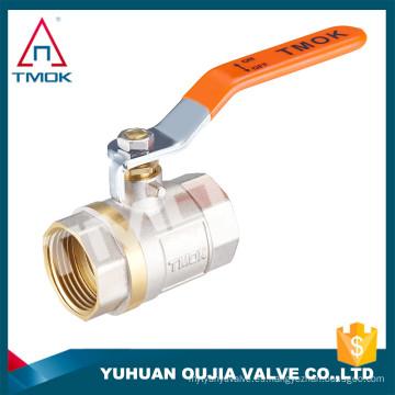 Precio de la válvula de bola de fábrica Stock TMOK Tamaño de la marca 1/2 '' a 1 '' Rosca BSP Mangos de hierro con soporte de seguro de crédito de pvc