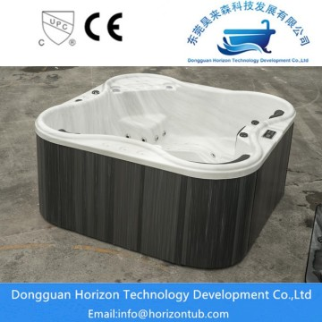 Horizon  small and big hot tubs