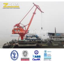Grúa usada en el puerto para manejar los contenedores de la costa
