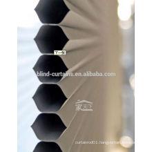 Manual honeycomb blinds