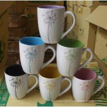 Mug en céramique avec motif gravé au laser