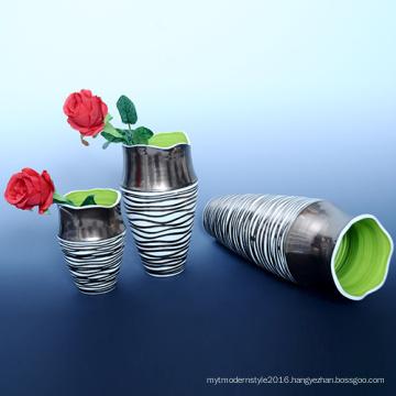 Discount Customized Porcelain Handicraft Cheap Gift Ceramic Flower Vase (B131)