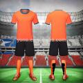 2017 mais novo time nacional dos homens de futebol de alta qualidade camisa de futebol jersey personalizado conjuntos de futebol barato desgaste