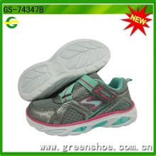 Neue Ankunfts-Kind-Kind-Sport-laufende Schuhe mit LED-Licht (GS-74347)