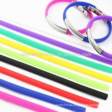 Venta al por mayor de acero inoxidable hombres placa en blanco pulsera de diferentes colores de silicona cuerda Wristband pulseras